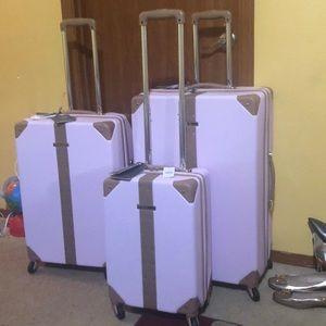 Vince camuto luggage set